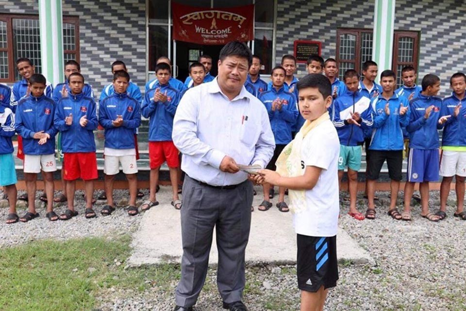 Generous Boy Supports Sahara Club With His Bratabandh Gift
