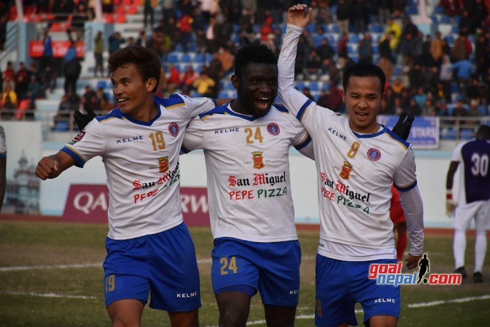 White Lions Beat Stars To Go Atop
